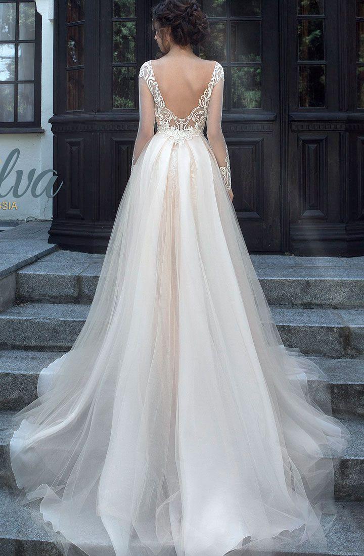 Long Sleeve Wedding Dress #weddingdress #weddinggown #bridalgown #bridaldress #bridedress
