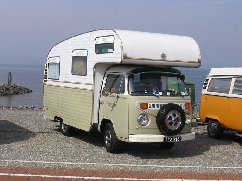 """Example of a """"Jurgen\'s Auto Villa"""" on a T2 Volkswagen chassis ..."""