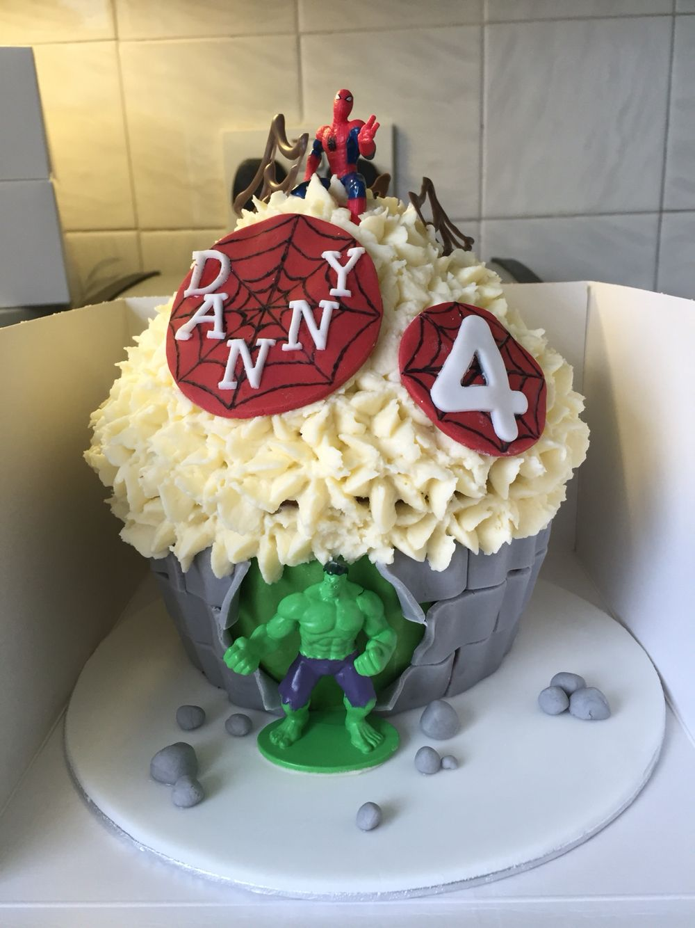 Hulk Spider Man Giant Cupcake Marvel Cupcakes Giant Cupcakes
