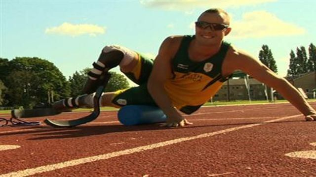 VIDEO: Olympic Double-Amputee Pistorius Arrested - http://thedailynewsreport.com/2013/02/14/top-stories/u-s-news-report/video-olympic-double-amputee-pistorius-arrested/