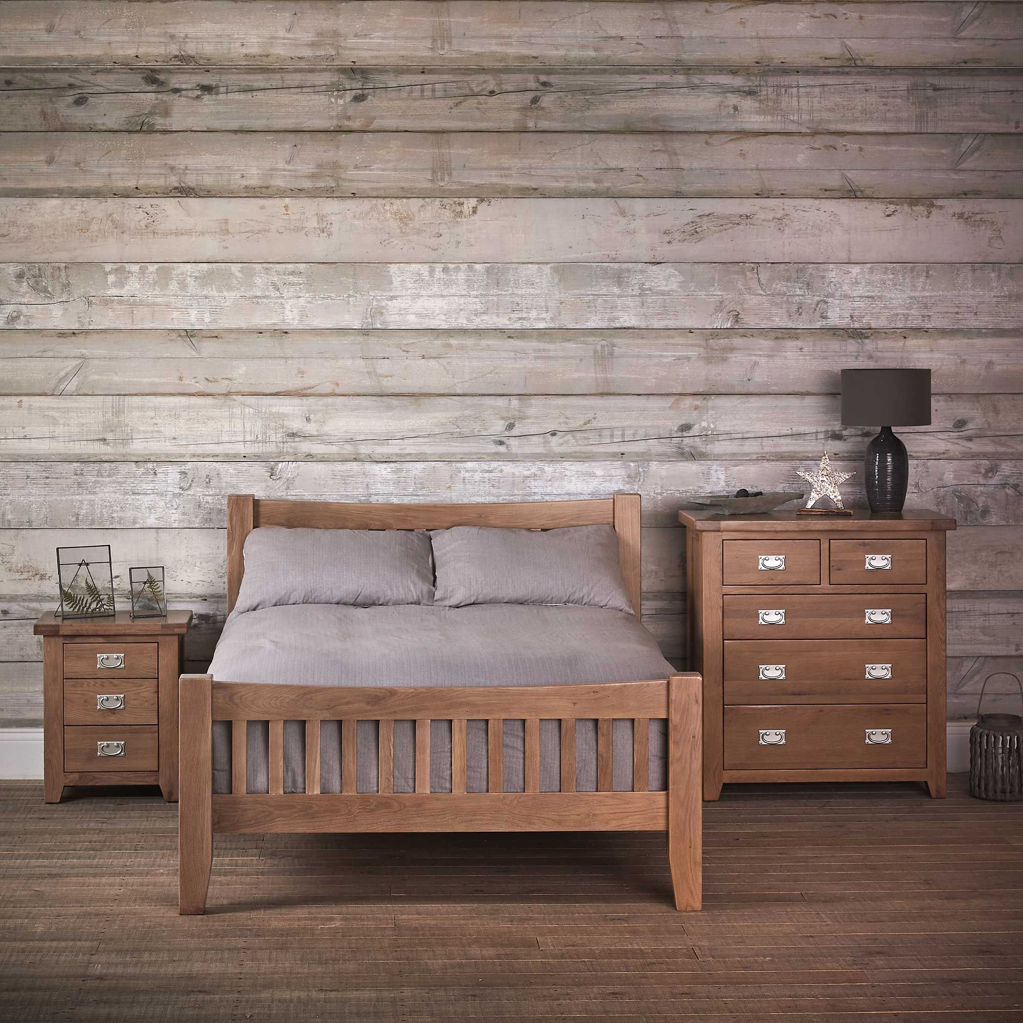 The Ripley bedroom collection is crafted from Oak and Pine, and features contrasting brushed steel handles, the perfect blend of traditional charm and practical functionality.