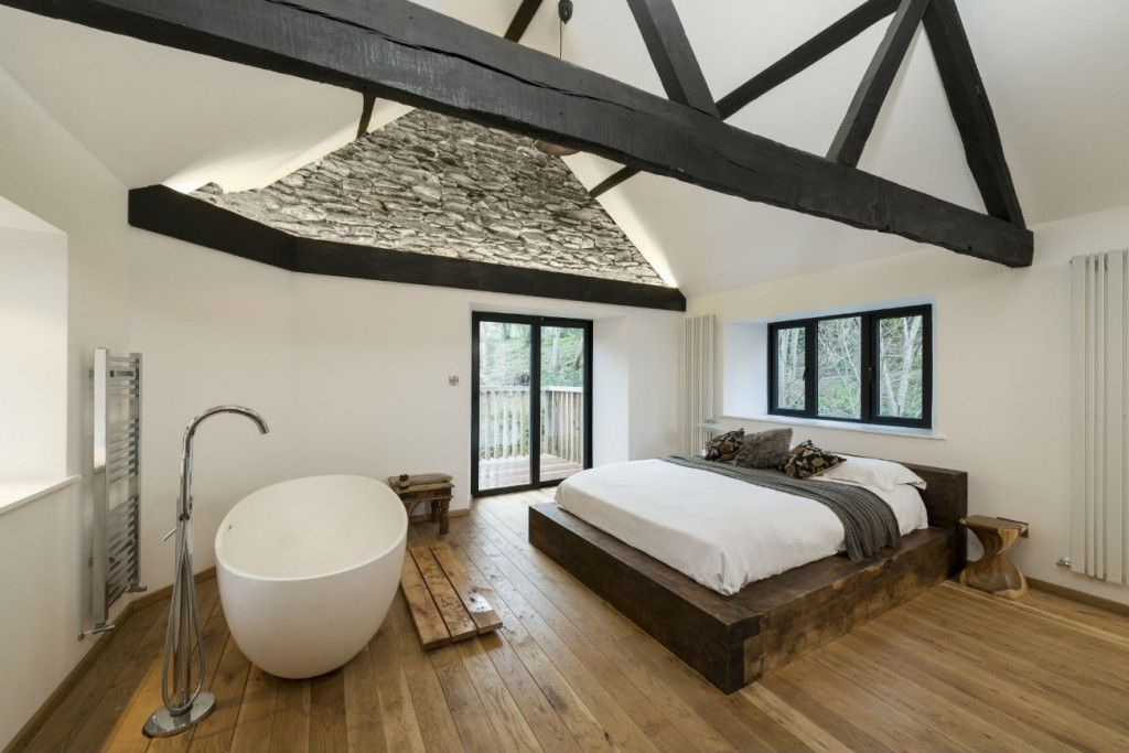 Architecture Luxury Classic Bedroom Design With Rustic Wooden Low - Bathtub in bedroom design