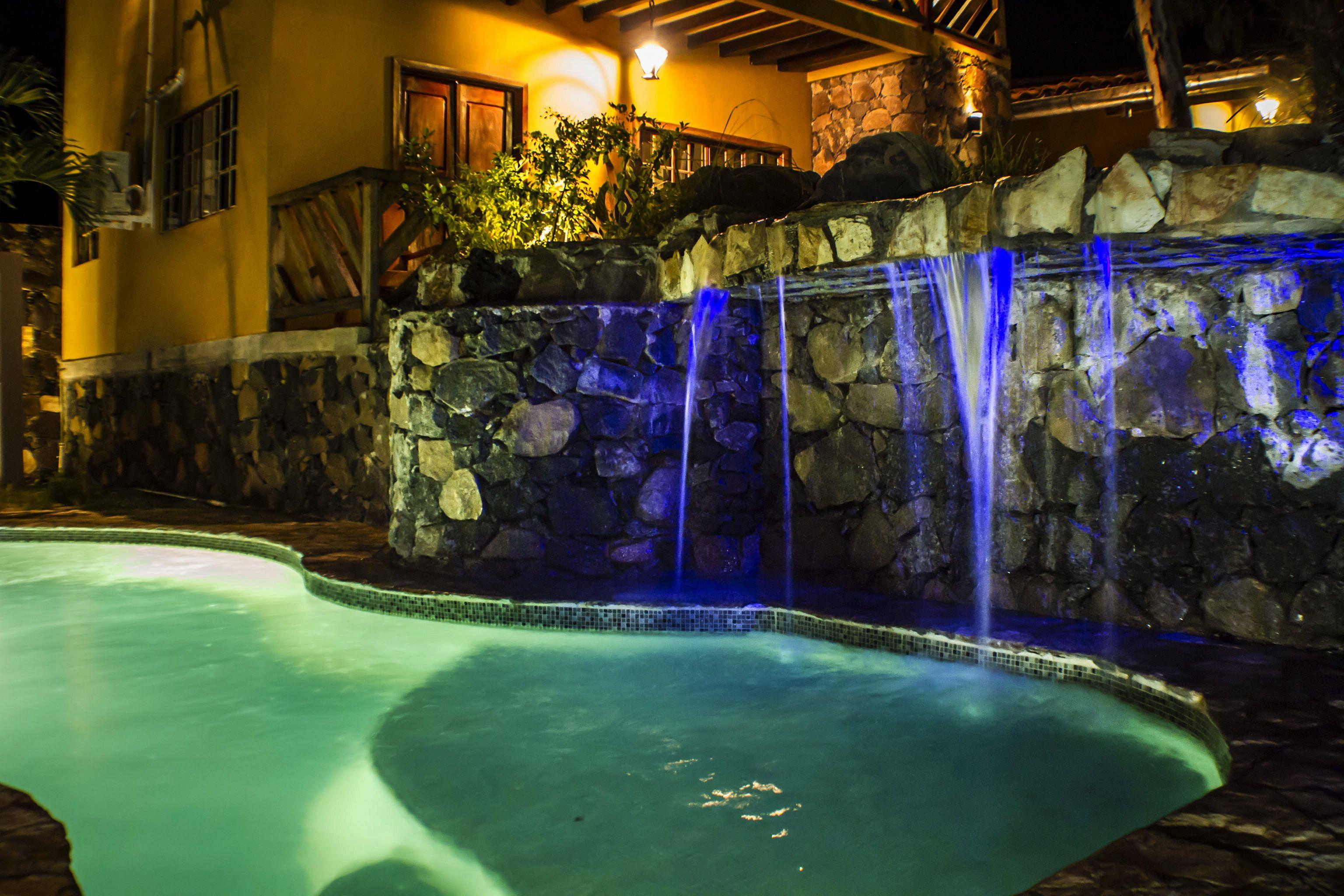 Cascade Pool 2 / Landscaping design by  Atelier Creative Studio / El Salvador