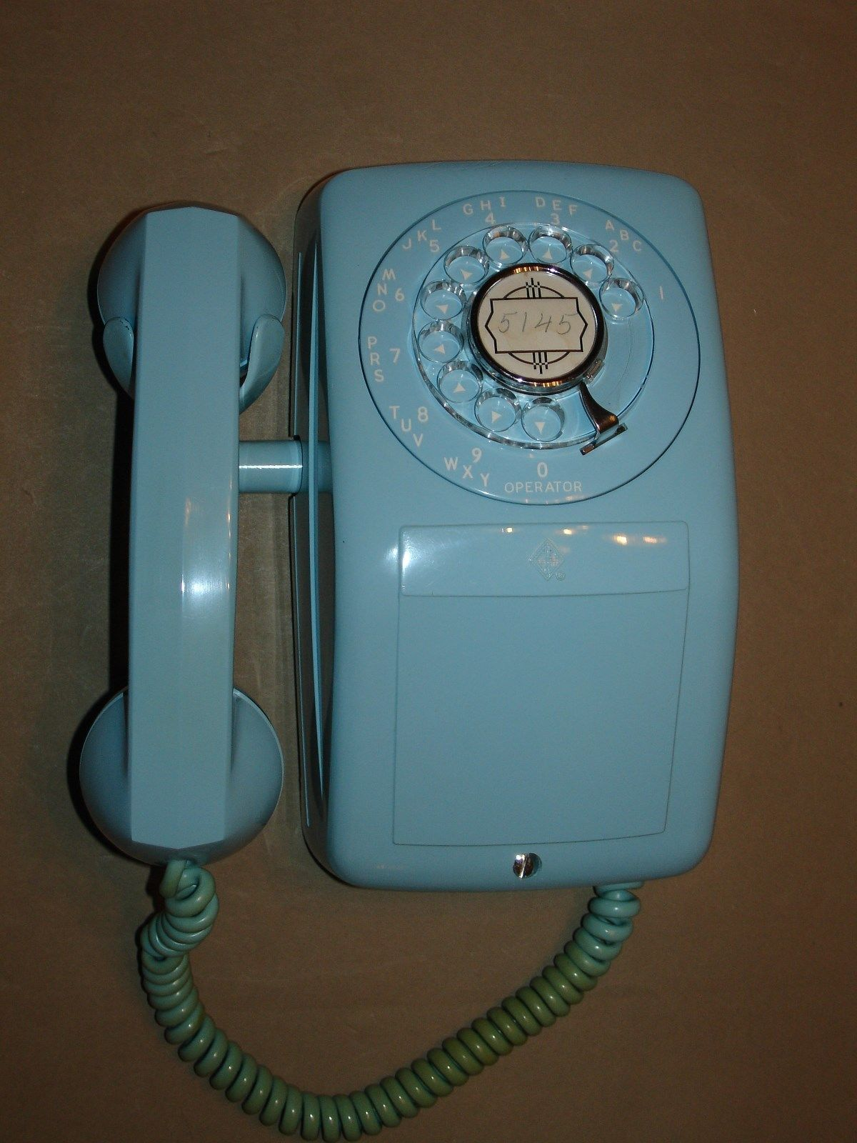 early automatic electric type 90 monophone telephone turquoise dated 1958 nice  [ 1200 x 1600 Pixel ]