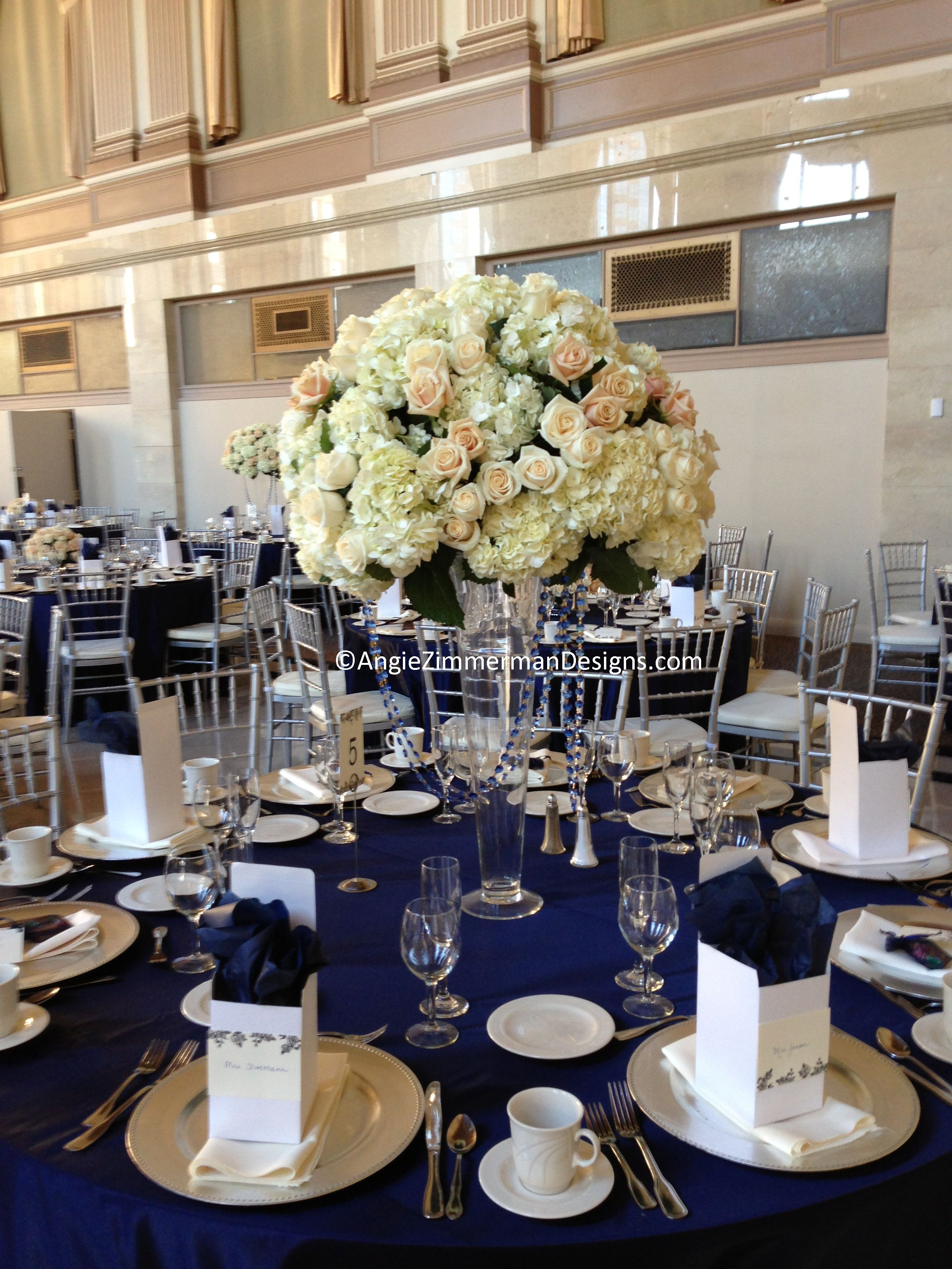 Navy blue and white wedding table decorations for White wedding table decorations