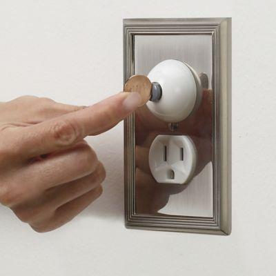 Munchkin Safety Lock Plug Covers XTRAGUARD