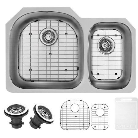 Vigo 31 inch Undermount Stainless Steel Kitchen Sink, 2 Grids and 2 Strainers, Silver