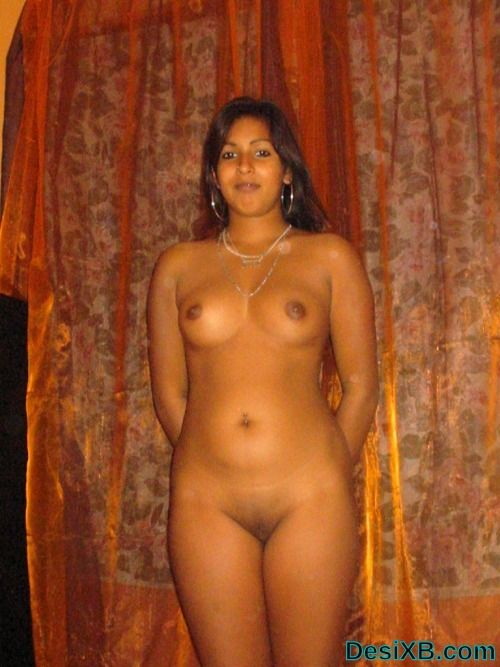 Cute-Desi-Aunty-Nude-Shows-Her-Boobs-Pussy-2  Rose Flower -2532