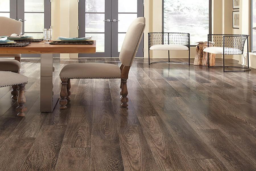 22 Amazing Laminate Hardwood Flooring Ideas And Designs Interiorsherpa Laminate Hardwood Flooring Hardwood Floors Flooring
