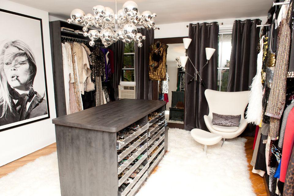 Design Of Stylist Mary Alice Stephenson S Master Closet Dressing Room By The Closet Factory Photo Art Brigitte Bardot In S Luxury Closet Dressing Room Closet Spare Room Walk In Closet