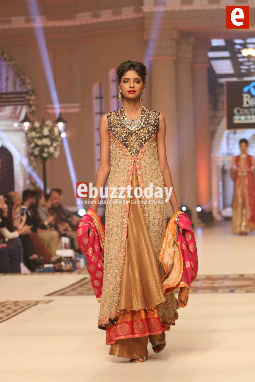 Image from https://www.ebuzztoday.com/wp-content/uploads/Umsha-by-Uzma-babar-telenor-bridal-couture-week-2014-ebuzztoday-47.jpg.