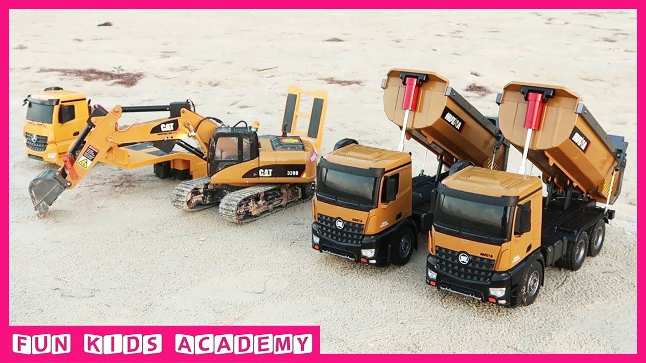 Bruder Toys - Clean Up on The Beach with Excavator CAT and