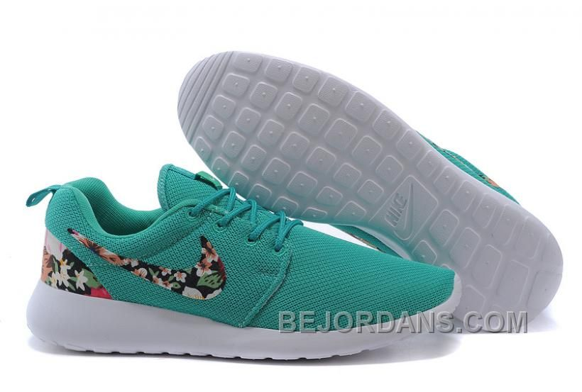 best service 3e2c2 13517 ... Discount Code UK Running Nike - Roshe Run Floral Trainers Ladies Green .