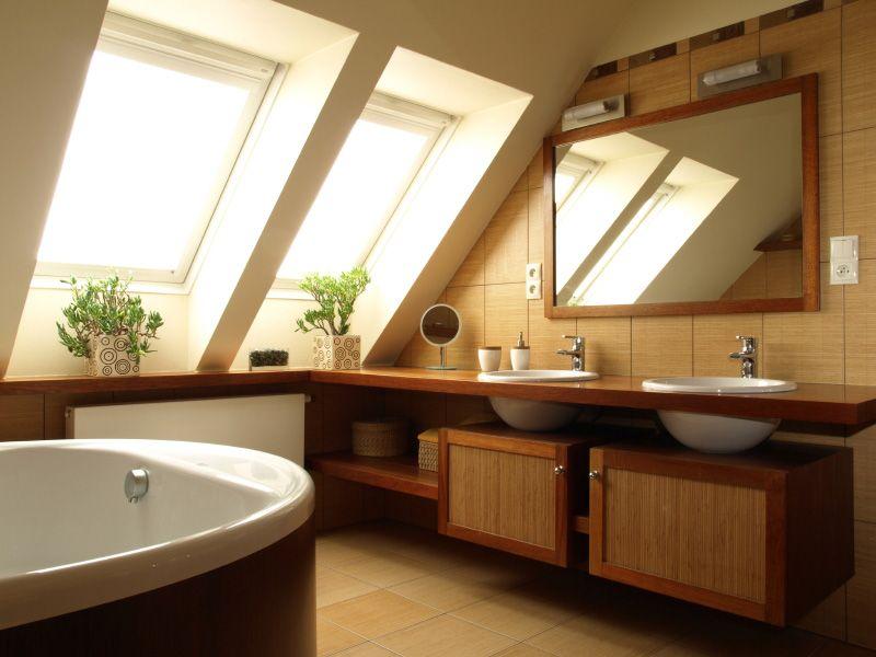 badezimmer dachschräge fenster badewanne graue fliesen Bad - sternenhimmel für badezimmer