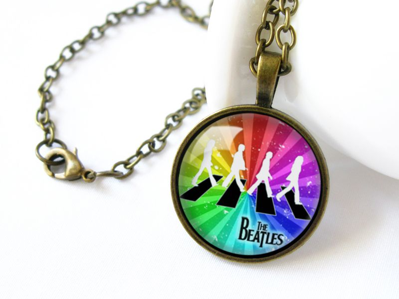 #Handmade #Glass #Dome #Necklace #Jewellery #The #Beatles #Rock #And #Roll #abbey #road DaWanda.com