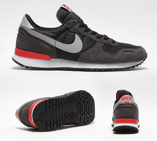 Nike Air Vortex W shoes grey