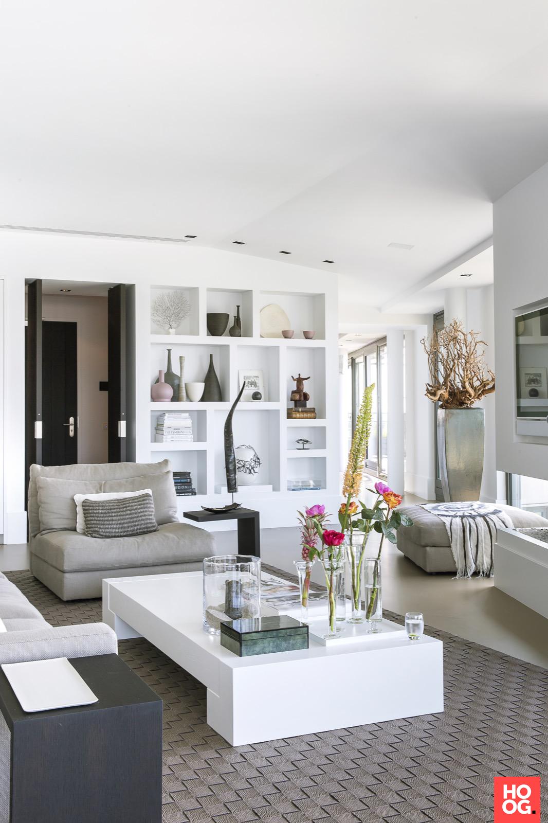 Van der Windt - Inrichting penthouse met strak interieur | woonkamer ...