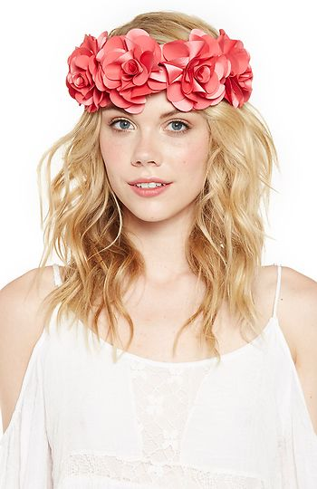Bouquet of Roses Headpiece in Coral | DAILYLOOK