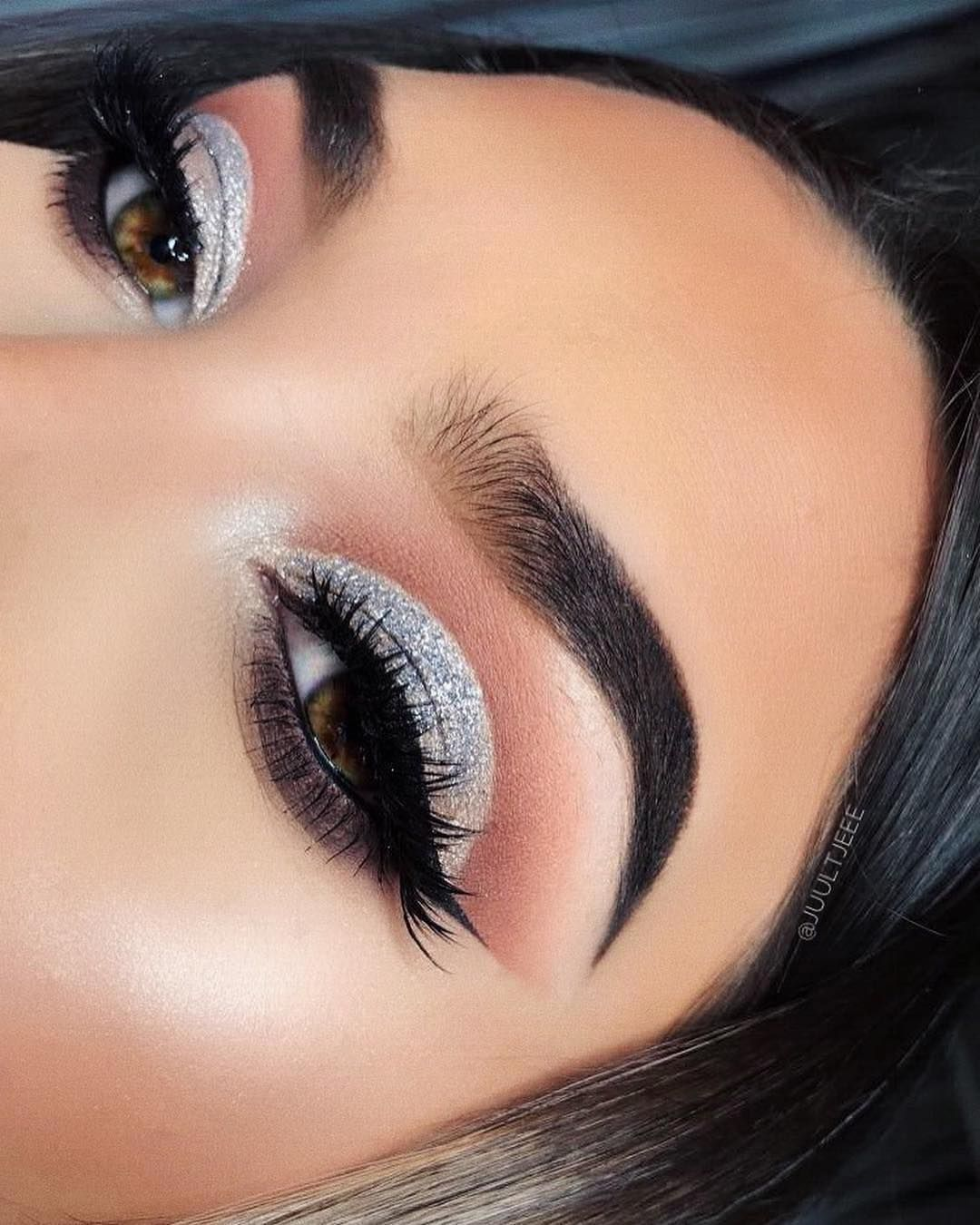 Gorgeous eye makeup - eye shadow ,gold eye makeup ,eye makeup for brown eyes ,  ,#abh,eyeshadow #eyemakeup #sexyeyes #makeup #eyemakeupideas