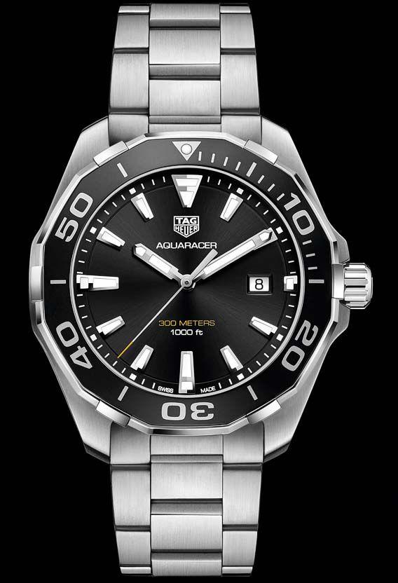 b01dc4cf43 La Cote des Montres : La montre TAG Heuer Aquaracer 300 Mètres 43mm - Une  montre en acier équipée d'une lunette en aluminium qui se décline en rouge,  noire ...