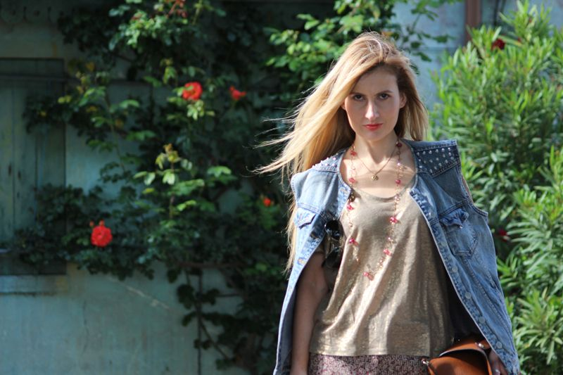 Trench Collection by Sonia Verardo: Espadrilles & Red Roses Summer OOTD
