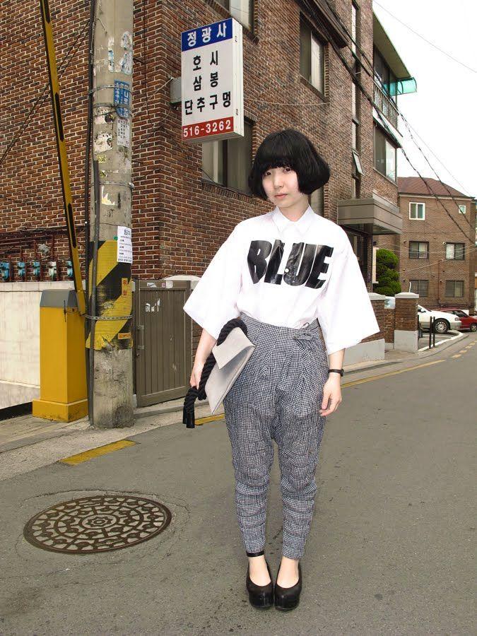 Blue shirt. Seoul.