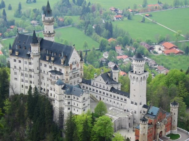 Europes Best Castles TravelChannelcom Top Vacations - Best castles in europe