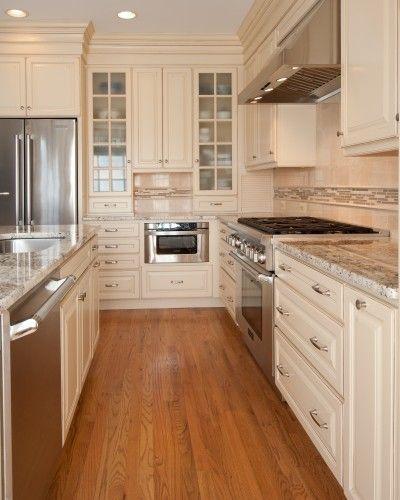 Love Cream Colored Cabinets Taupe Kitchen Cabinets Oak Floor Kitchen Cream Kitchen Cabinets Kitchen Design