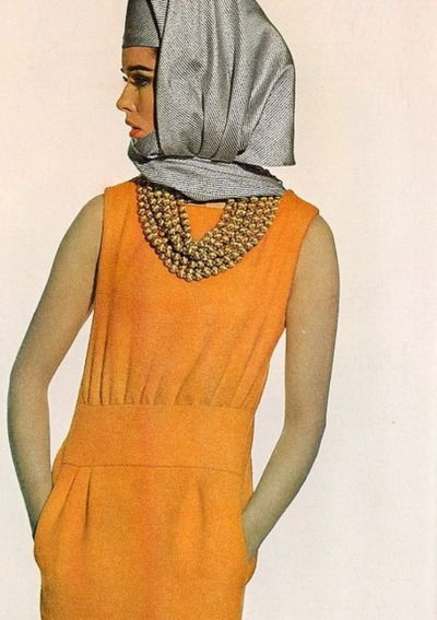 Vogue 1965, Sondra Peterson is Photographed by Irving Penn