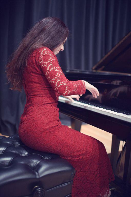 Concierto de piano interpretado por Alessandra Feris. Intérprete brasileña galardonada con primeros premios en concursos a nivel nacional e internacional. 26/07/14