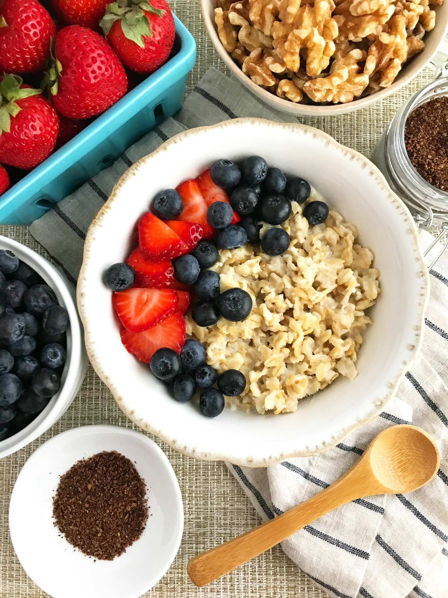 Easy oatmeal breakfast with chia flax and fresh berries