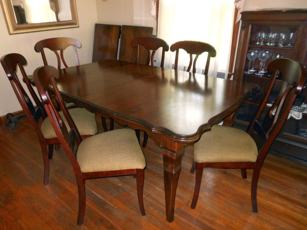 Estate Sale Dining Room Furniture Nichols & Stone Dining Table  71815 Grafton Estate Sale