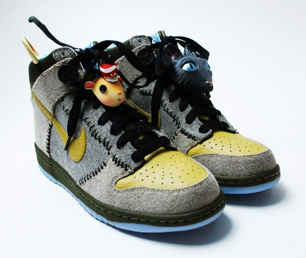 best sneakers 6f241 fd542 Coraline Nike Dunks....if I could find a pair I would spend