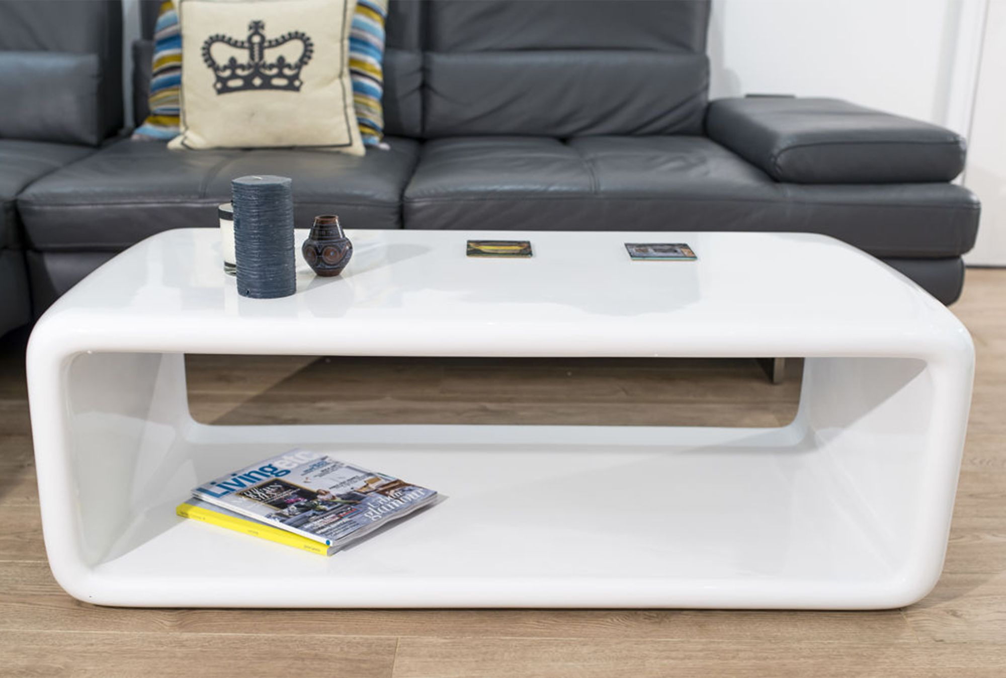 The seamless curved shape and white high gloss finish of the the seamless curved shape and white high gloss finish of the flicker coffee table in white geotapseo Image collections