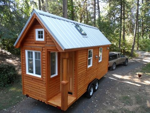 Siskiyou Colonial Tiny House by the Oregon Cottage Company