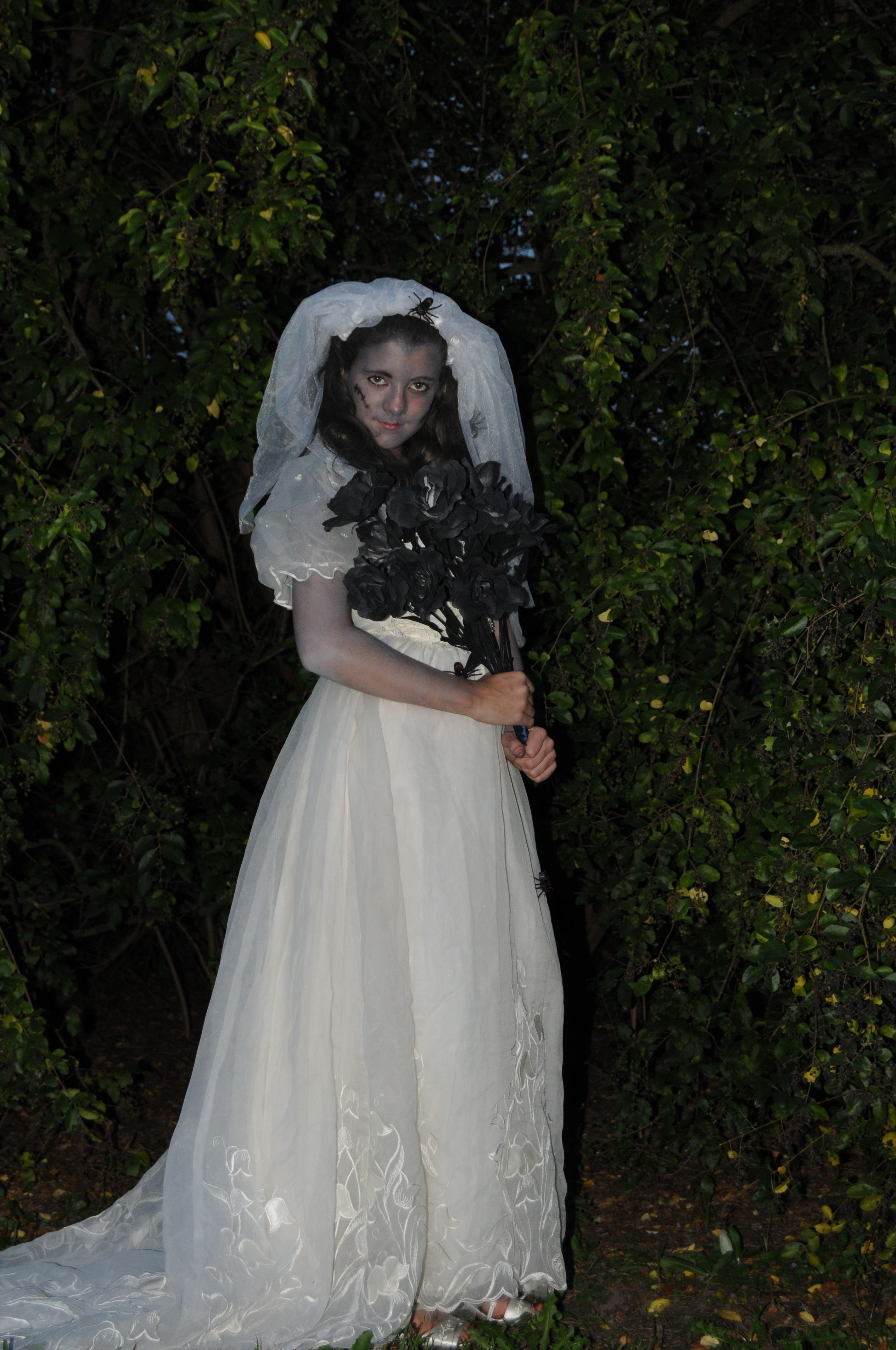 Thrift Store Wedding Dress And Shoes Can Find Free Or Very Inexpensive Dresses On Craigslist Too Bachelorette Veil From The Party