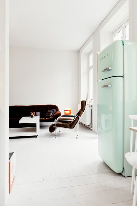 tendance le frigo smeg maison pinterest smeg fridge kitchen und home. Black Bedroom Furniture Sets. Home Design Ideas