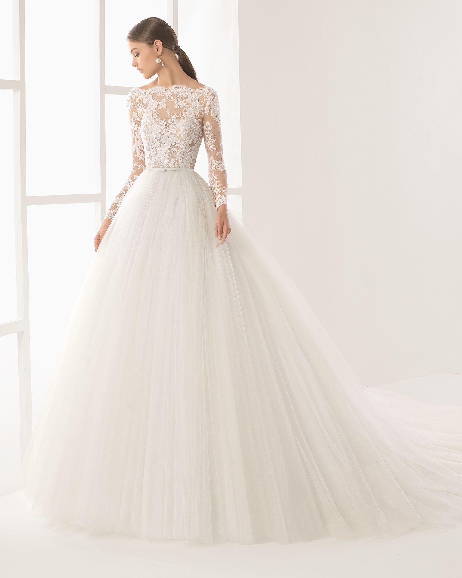 0b4c656e825 Niher vestido con cuerpo de encaje con transparencia y falda de tul.  Vestidos De Novia