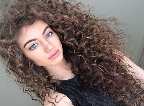 Here Are 25 Gorgeously Long Curly Hairstyles From Long Hairstyles Got Curly Hair And Looking For So Hair Styles Curly Hair Styles Naturally Curly Hair Styles
