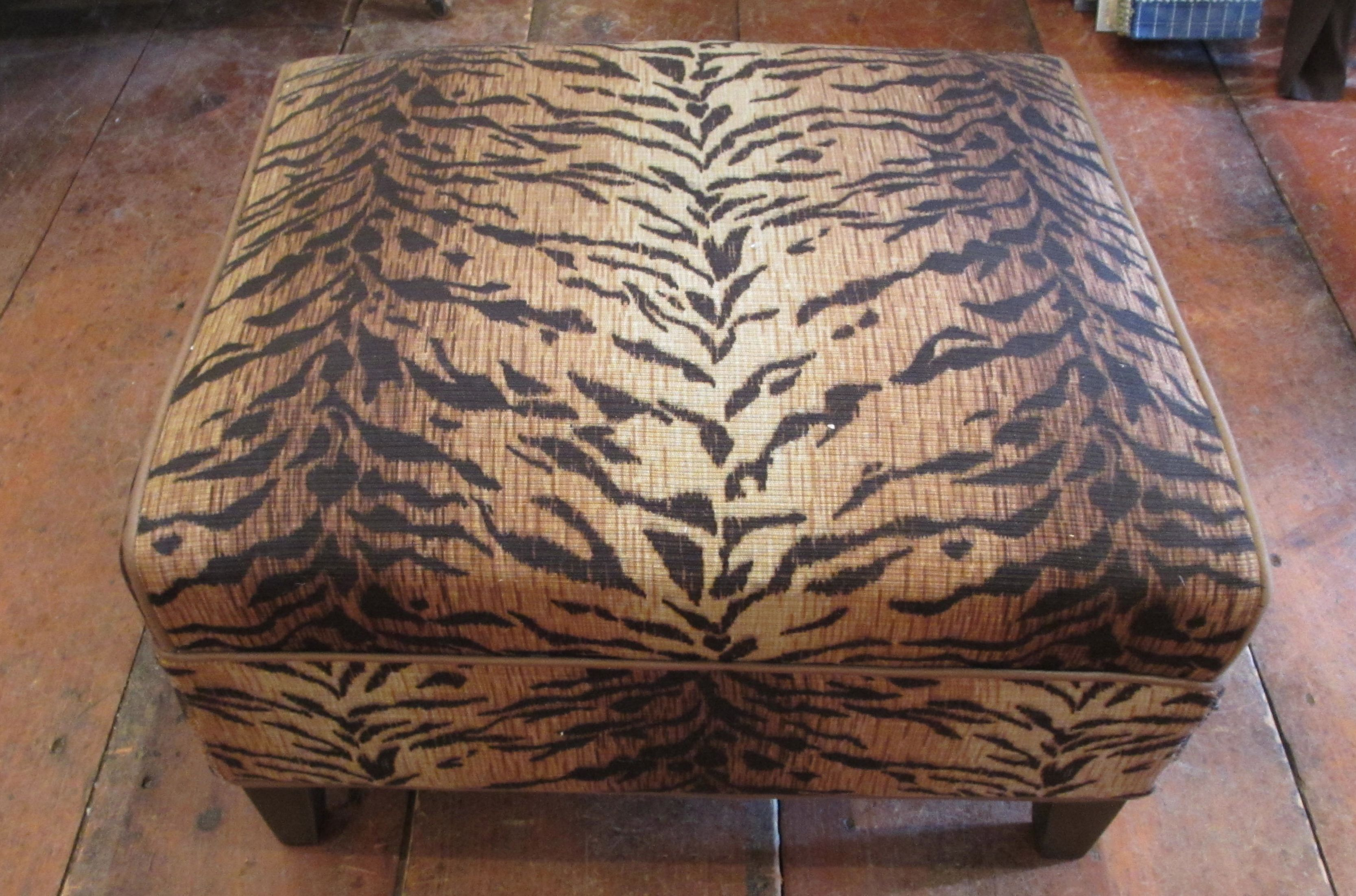 1930 Antique Upholstered Chair Upholstery Fabric For Rattan Furniture