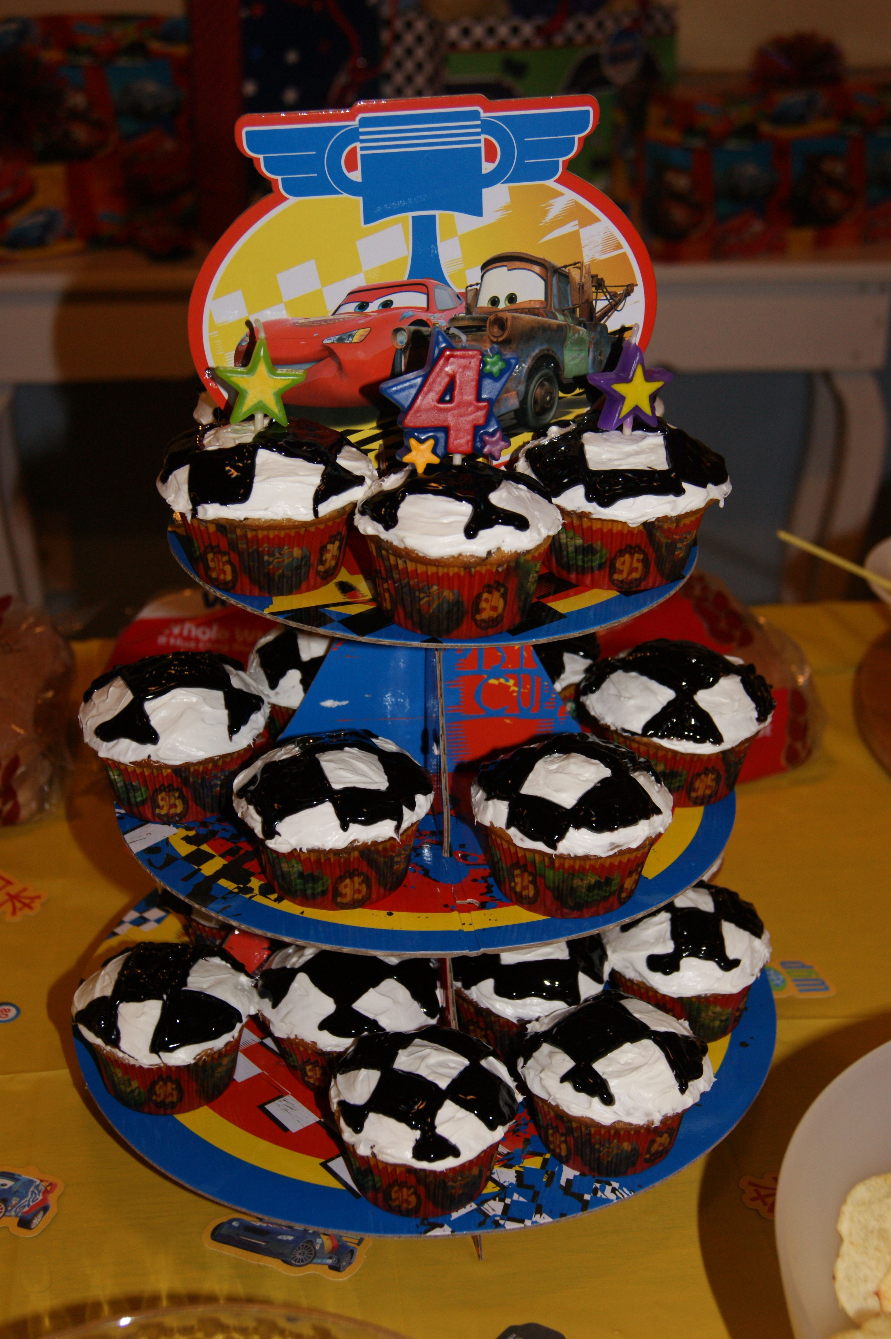 Amazing checkered flag cupcakes my sister made for my son's Cars birthday party!