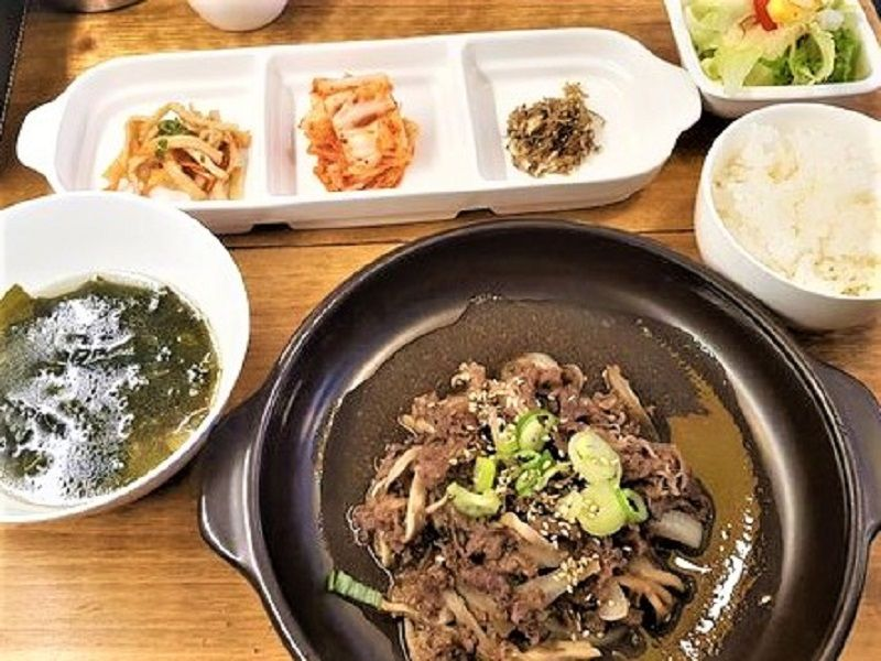 Berburu Kuliner Halal Di Korea Masakan Korea Bulgogi Penyajian Makanan