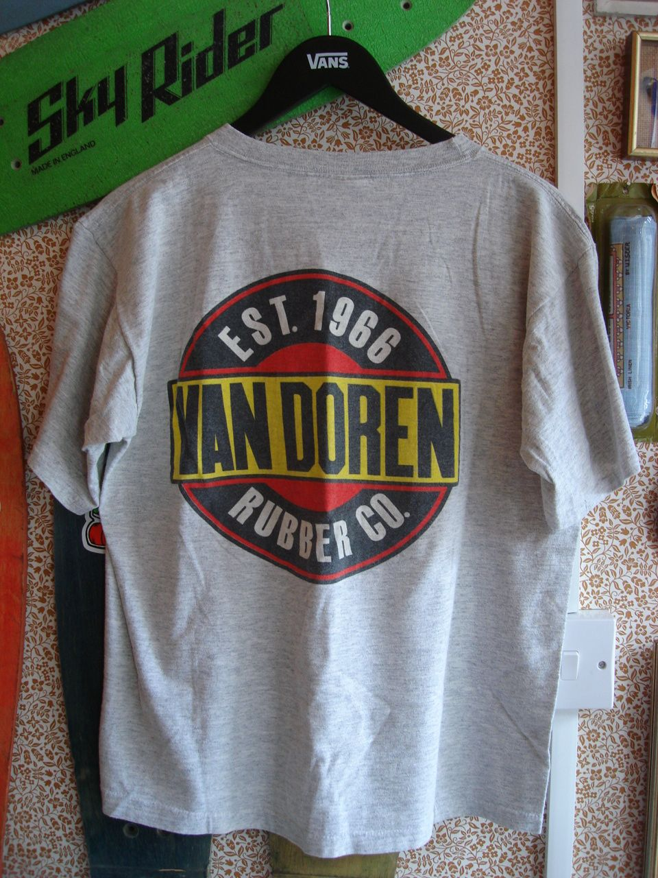 d2cbd2b6c8 vintage+vans+van+doren+rubber+co+clothing+t-