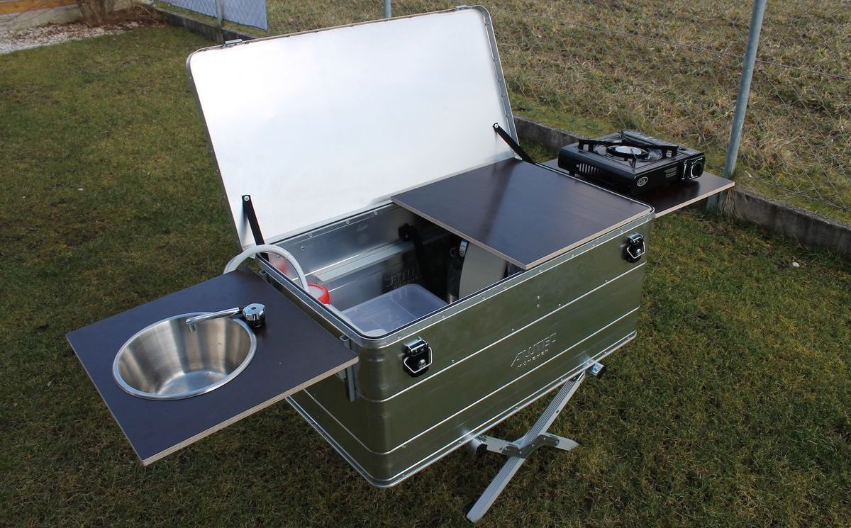 Photo of A mobile kitchen in the aluminum box
