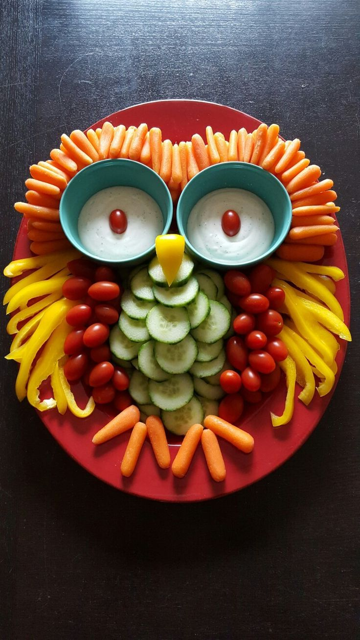 Owl Veggie Tray-Baby Shower//Photo by Kami Eickhoff. Owl or woodland themed baby shower or birthday party #childrenpartyfoods
