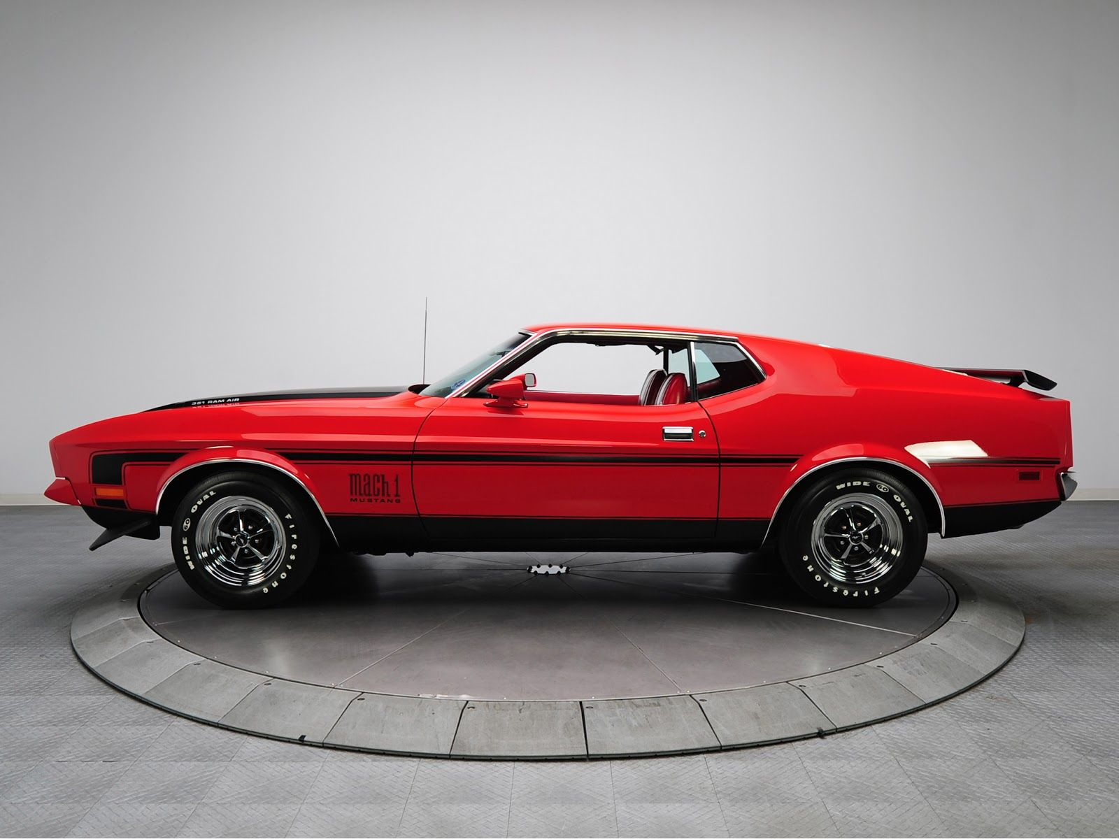 1971 Mustang Mach 1 71 Mustang Mach 1 Was Featured In The 1971 James Bond Film Diamonds Mustang Mach 1 Mustang Ford Mustang