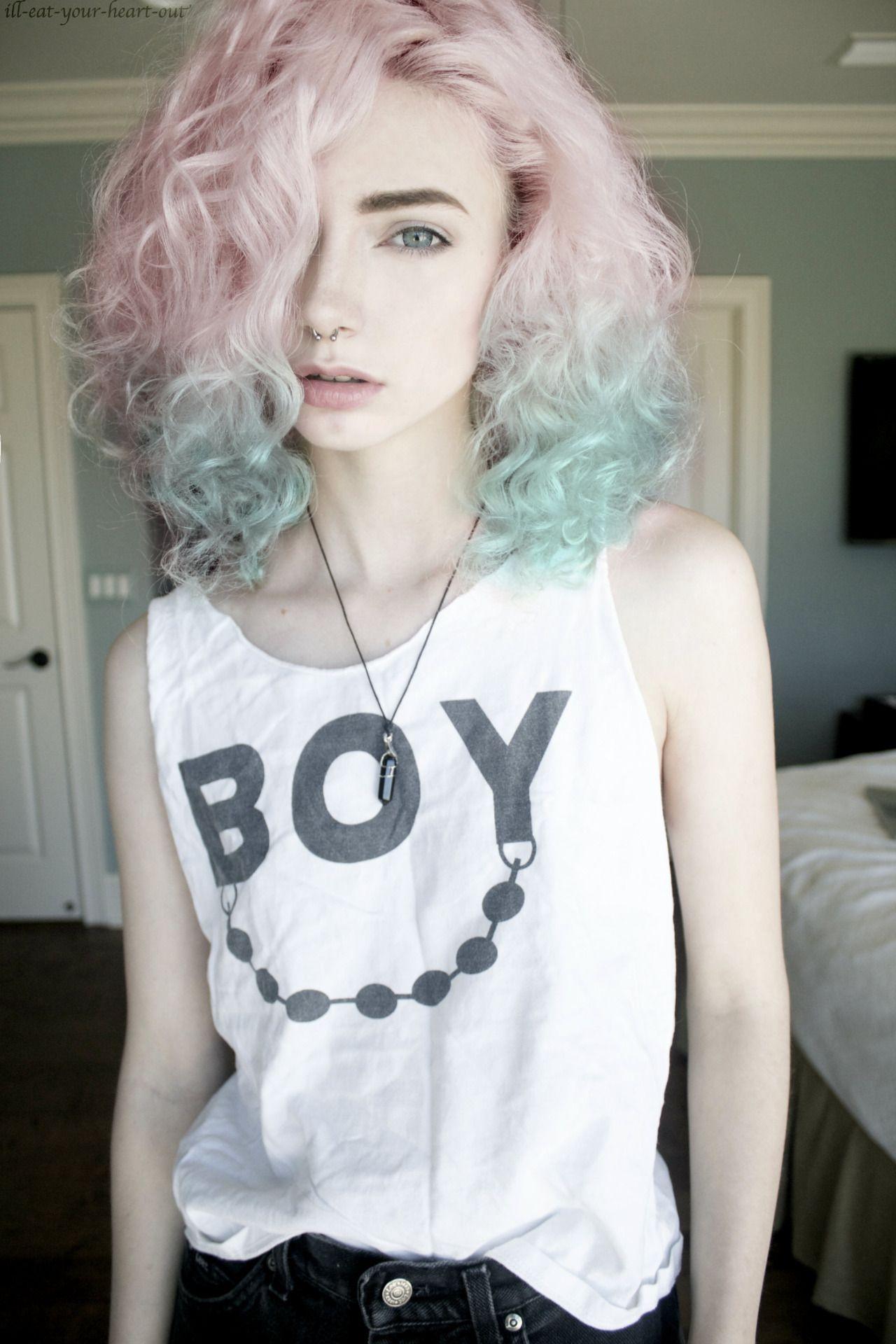 ♡skin&bones♡ maroua Cheveux grunge, Coiffures frisées
