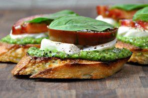 Appetizer Recipe: Easy Caprese Crostini with Pesto from Pinch + Swirl.