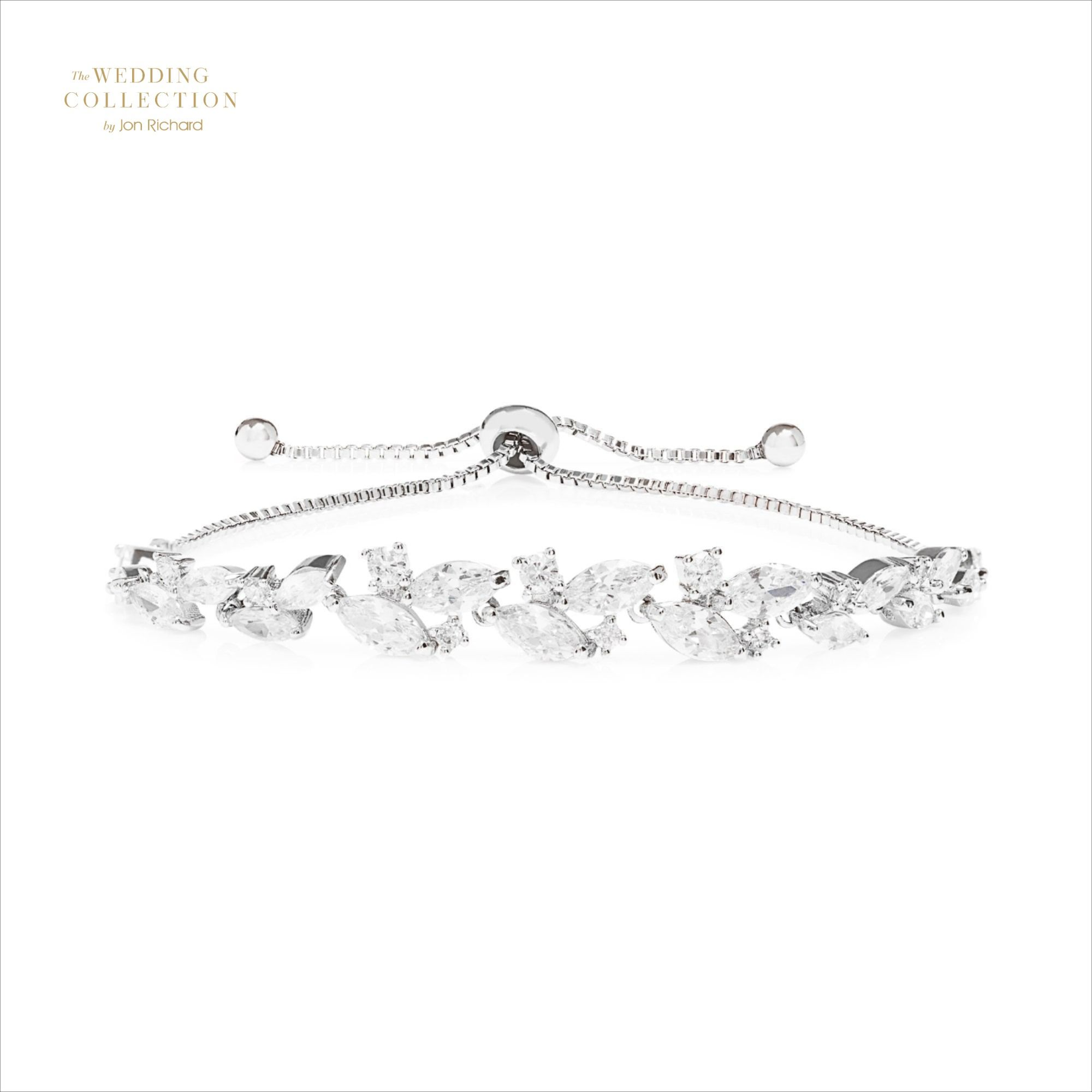 Romantic Bridal Jewellery Inspiration Romantic Bridal Style Perfect For A Country W In 2020 Bridal Jewellery Inspiration Wedding Jewelry Romantic Wedding Jewellery