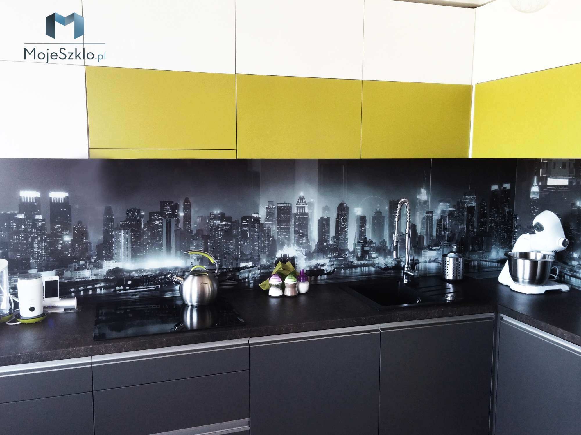 Szklo Z Grafika Miasta Kitchen Cabinets Kitchen Kitchen Appliances